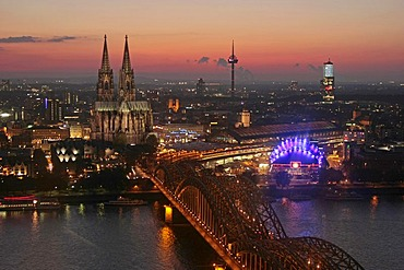 City view of Cologne at night with Cologne Cathedral, Rhine River, Musical Dome and Hohenzollern Bridge, Cologne, North Rhine-Westphalia, Germany, Europe