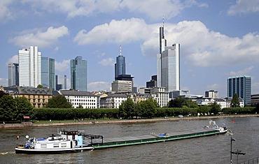 Skyline, inland vessel on Main River, Frankfurt, Hesse, Germany, Europe