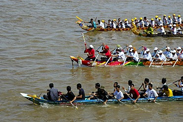 Big rowing boats in competition with many rowers, Water Festival, Phnom Penh, Cambodia, Southeast Asia