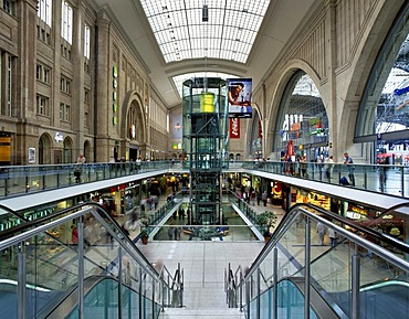 Central Station with shopping arcades, Leipzig, Saxony, Germany, Europe
