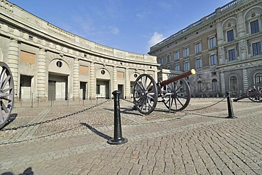 Old canons in the square in front of the Royal Palace, Stockholm, Sweden, Scandinavia, Europe