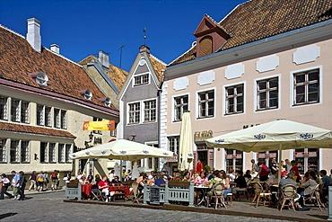 Cafe, town hall square, historic centre of Tallinn, Estonia, Baltic States, North Europe