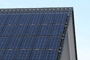 Solar panels on a roof, Mettmann, North Rhine-Westphalia, Germany, Europe