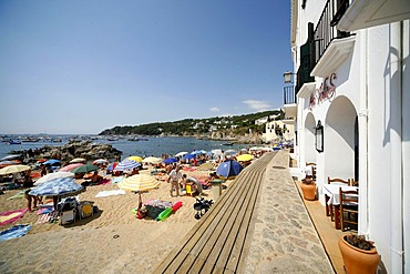 Beach on the Bay of Calella de Palafrugell, Costa Brava, Catalonia, Mediterranean Sea, Spain, Europe