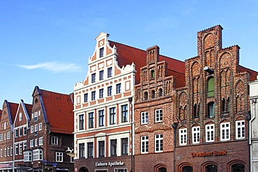 Historic gable houses in the historic centre of Lueneburg, Am Sande, hanseatic city of Lueneburg, Lower Saxony, Germany, Europe