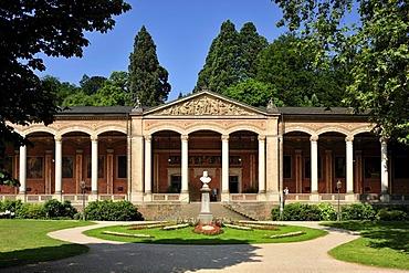 Pump room decorated with Corinthian columns, Baden-Baden, Schwarzwald, Baden Wuerttemberg, Deutschland, Europa