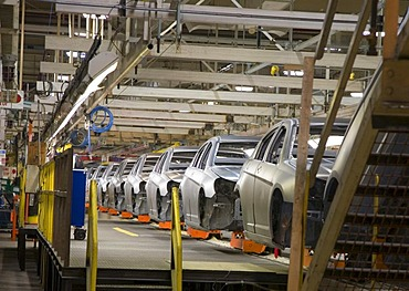 Assembly line for the Chrysler Sebring sedan, Sterling Heights, Michigan, USA
