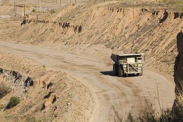 A copper ore carrying truck in Asarco's Mission open pit copper mine, Sahuarita, Arizona, USA