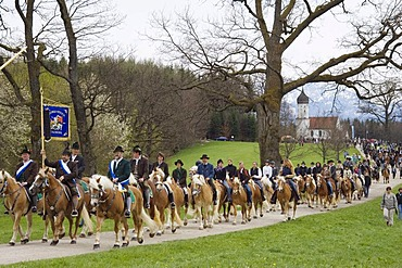 Traditional Georgiritt, horse pilgrimage to honour St George, at the Penzberg Hubkapelle Chapel, Upper Bavaria, Germany, Europe