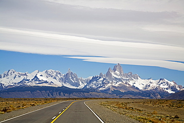 Road Ruta 40 to the Fitz Roy massiv, Argentinia, Patagonia, South America