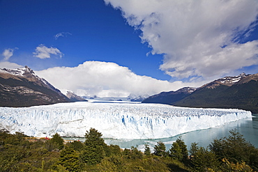 Glacier Perito Moreno, National Park Los Glaciares, Argentina, Patagonia, South America