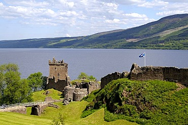 Urquhart Castle, famous castle ruins on Loch Ness, Scotland, Great Britain, Europe