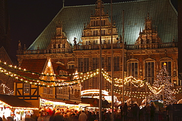 Christmas market in front of city hall, Bremen, Germany, Europe