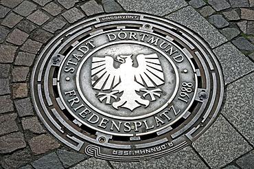 Dortmund coat of arms on a manhole cover, Dortmund, North Rhine-Westphalia, Germany, Europe