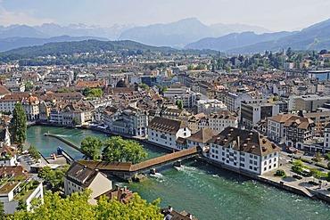 Spreuerbruecke Bridge, Reuss River, view of the city, Lucerne, Switzerland, Europe