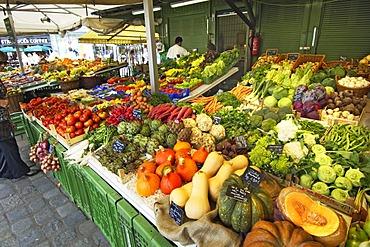Viktualienmarkt, Munich, Bavaria, Germany