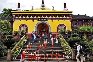 Wannian monastery, Mount Emei near Chengdu, China, Asia