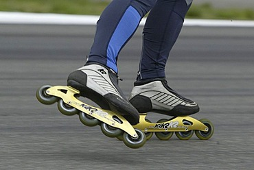Speedskater on the Hockenheim ring, free driving on the racing course