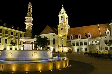 Main square, Hlavne namestie with Roland Fountain and Old Town Hall, Bratislava, Slovakia