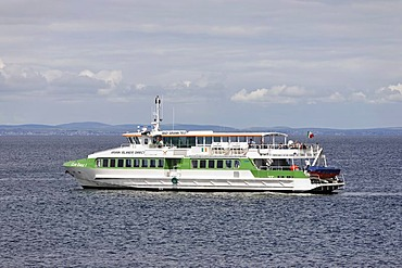 A ferry which is operating between the Aran Islands, Inis Oirr, Aran Inseln, Ireland