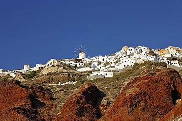 The western part of the village of Oia viewed from the harbour of Ammoudi, Oia, Santorini, Greece