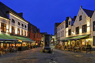Square with restaurants and a horse well near by the Minnewater, Brugge, Flanders, Belgium