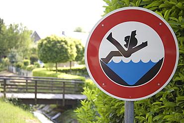Warning sign in front of a bridge, joke sign, Raesfeld, Muensterland, North Rhine-Westphalia, Germany, Europe