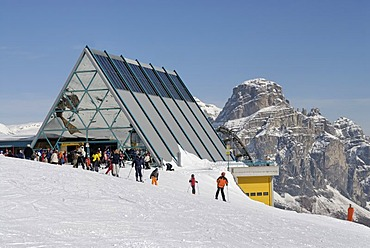 Cable car hut, Sella Ronda near Corvara, Sassongher Mountain, Dolomites, Southern Tyrol, Trentino, Italy, Europe