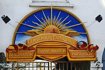Meditation Centre sign in the inner city of Glastonbury, Ley lines, Legend of King Arthur, Glastonbury, Mendip, Somerset, England, Great Britain, Europe