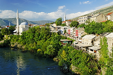 Historic centre of Mostar on the Neretva River, UNESCO World Heritage Site, Bosnia and Herzegovina, Balkans, Europe