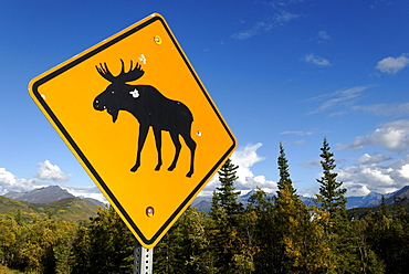 Moose, Elk crossing sign, Alaska, USA