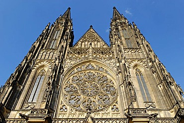 Facade of the Saint Vitus Cathedral, Prague Castle, Hradcany, UNESCO World Heritage Site, Czech Republic, Europe