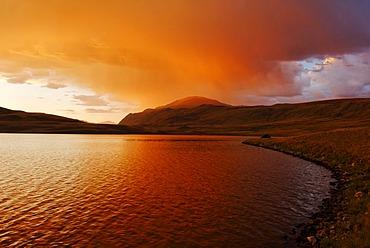 Stormy atmosphere on Lake Dlinoe, Sailughem Mountains, Tschuja Steppe, Altai Republic, Siberia, Russia, Asia