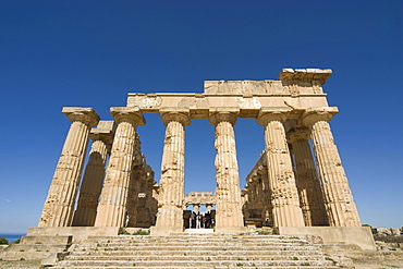 Columns, Temple E (Temple of Hera) at the ancient Greek archaeological site in Selinunte, Sicily, Italy