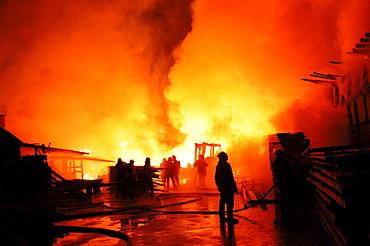 Large fire at a sawmill, Burkhardtsmuehle near Aichtal-Aich, Esslingen Region, Baden-Wuerttemberg, Germany, Europe
