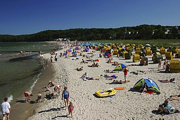 BRD Germany Island of Rugen Binz Baltic Sea Spa Beachside Watering People Activities in free Time