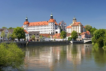 View to the castle, castles chapel, castles museum, Bavarian State Galery, Donau quay, Elisen bridge, City of Neuburg at the river Donau founded as maintown of principality Pfalz-Neuburg 1505, Bavaria, Germany, BRD, Europe