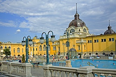 Szechenyi Open air bath in neobaroque Building Style, Swimming pool with people and visitors, Budapest, Hungary, Southeast Europe, Europe,