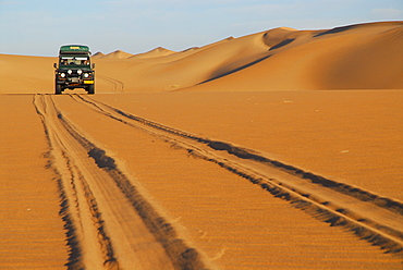Jeep-Safari in the dunes, Saddle Hill, Diamond area, Namibia