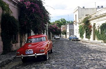 Vintage car on a cobbled road, Colonia del Sacramento, Uruguay, South America