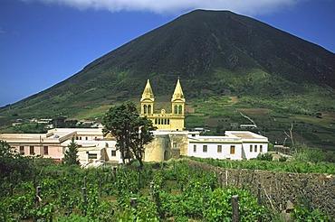 Monte dei Porri volcano, Salina island, Aeolian islands