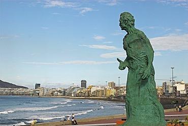 Monument of Alfredo Kraus, by artist Victor Ochoa, and the beach Playa de las Canteras, Las Palmas, Gran Canaria island, Spain, Europe