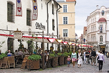 Restaurant with outside tables in the historic centre of Tallinn, Estonia, Europe