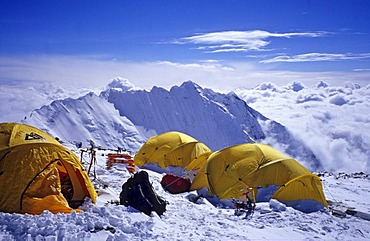 Camp IV, 4 (7950m), South Col, Mount Everest, with view on Nuptse, Himalaya, Nepal