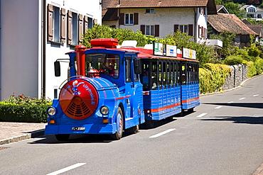 Tourist train, city sightseeing, Vaduz, Liechtenstein, Europe