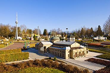 Models of famous buildings at the Minimundus Freizeitpark theme park in Klagenfurt, Carinthia, Austria