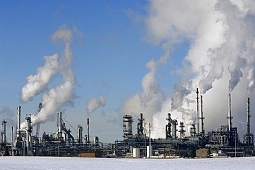 Oil refinery near Edmonton, Alberta, Canada