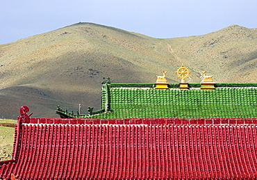 Roofs of the Mongolia Hotel in the style of a Tibetan Buddhist temple, Ulan Bator or Ulaanbaatar, Mongolia, Asia