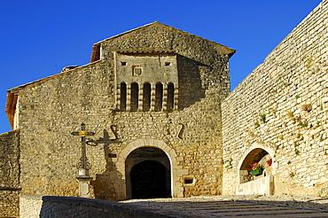 Gate, fourteenth-century city walls, Banon, Provence, France