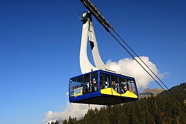 Cabin of the Col du Pillon - Scex Rouge cable car, in the region of Glacier 3000, Glacier de Tsanfleuron, Gstaad, Les Diablerets, Switzerland, Europe